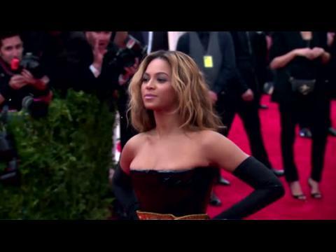 Beyoncé défend l'égalité des sexes