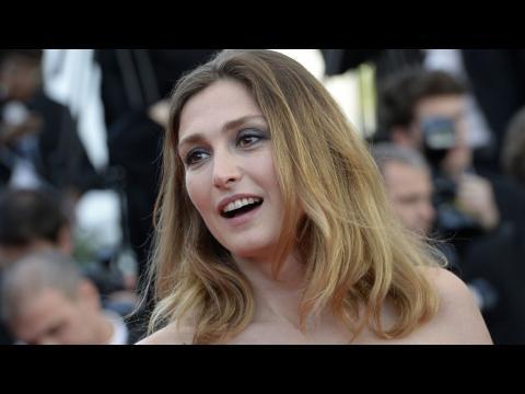 L'actrice Julie Gayet écartée du jury de la Villa Médicis