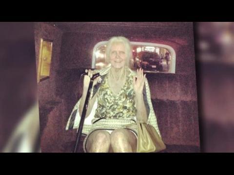 Heidi Klum se transforme en une petit vieille pour Halloween