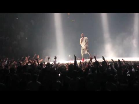 Kanye West repousse des dates de concert à cause d'un accident