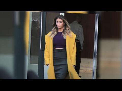 Kim Kardashian dément les rumeurs de chirurgie plastique pour perdre le poids de sa grossesse