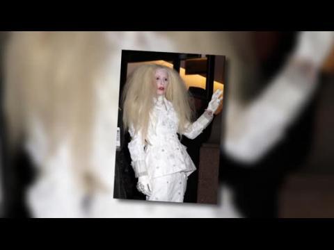 Lady Gaga fait peur aux Glamour Awards