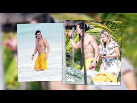 Orlando Bloom avec une mystérieuse blonde à Cancun