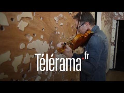 Franck Della Valle découvre l'acoustique d'une salle de la Philharmonie de Paris
