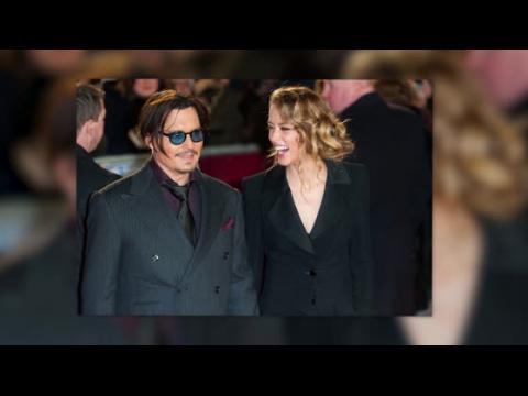 Johnny Depp et Amber Heard font front uni à la première de Mordecai