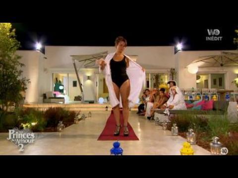 La tenue ultra sexy d'Amandine (LPDLA 2) - ZAPPING PEOPLE DU 28/01/2015