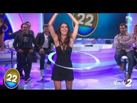 Leïla (Secret Story 8) et son décolleté très sexy - ZAPPING PEOPLE DU 01/12/2014