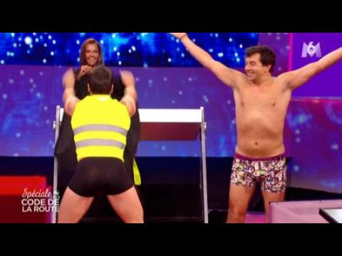 Stéphane Plaza fait un strip-tease - ZAPPING PEOPLE DU 05/12/2014