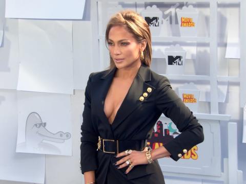 Exclu Vidéo : Jennifer Lopez, Scarlett Johansson, Amber Rose... Pluie de stars aux MTV Movie Awards 2015 !