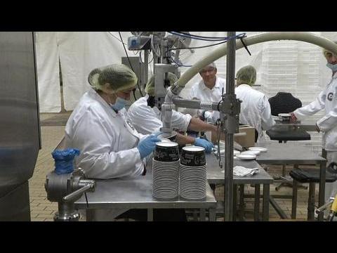 Hollande rend visite aux ex-Pilpa qui ont réussi la reprise de leur entreprise