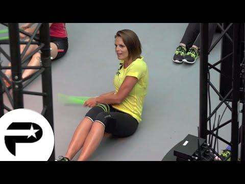 Laure Manaudou en pleine séance de gymnastique pour Reebok