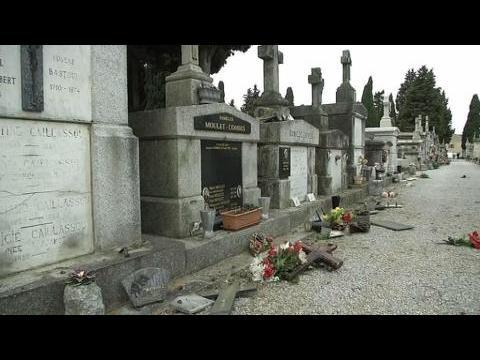 Plusieurs dizaines de tombes ont été profanées dans un cimetière à Castres