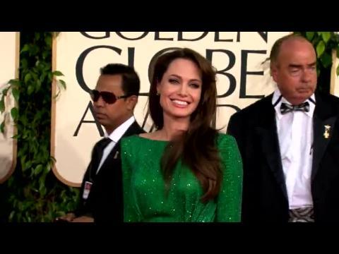 Brad Pitt et Angelina Jolie vendent leurs photos de mariage pour 5 millions de dollars