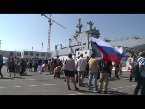 Navires Mistral: manifestation pro et anti livraison à la Russie