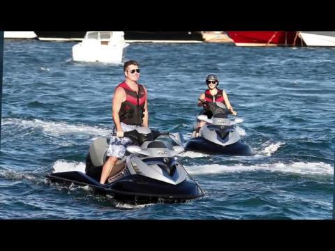 Simon Cowell profite du soleil à St Tropez