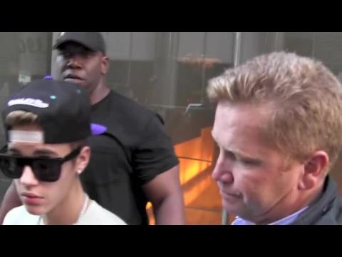 Justin Bieber est à nouveau poursuivi en justice après une attaque contre un paparazzo