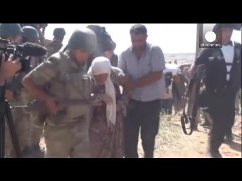 Turquie: afflux massif de réfugiés kurdes fuyant les djihadistes
