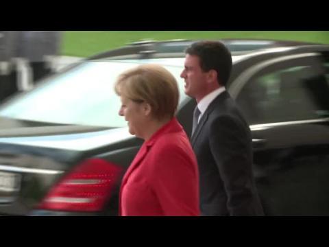 Valls chez Merkel pour dissiper désaccords sur l'économie