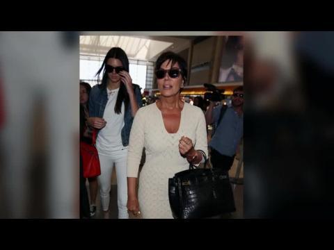 Kim Kardashian, Kendall et Kris Jenner s'envolent pour des vacances