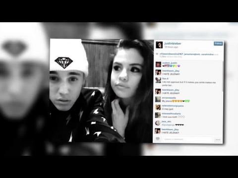 Justin Bieber partage une photo où on le voit cajoler Selena Gomez