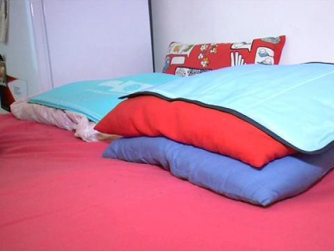 des conseils pour bien dormir la nuit avec la chaleur 19 07 en vid os sur. Black Bedroom Furniture Sets. Home Design Ideas