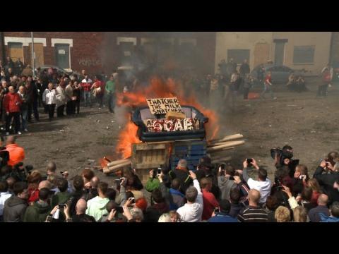 Ambiance de fête à Goldthorpe pour l'enterrement de Thatcher