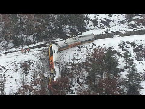 Le déraillement d'un train dans le sud de la France fait au moins deux morts