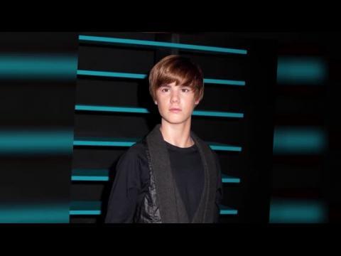 La statue de cire de Justin Bieber ruinée par les trop nombreux fans