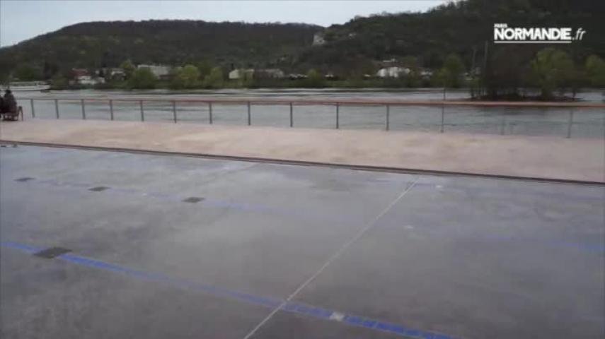 Réhabilitation de l'ancienne piscine d'été à Vernon