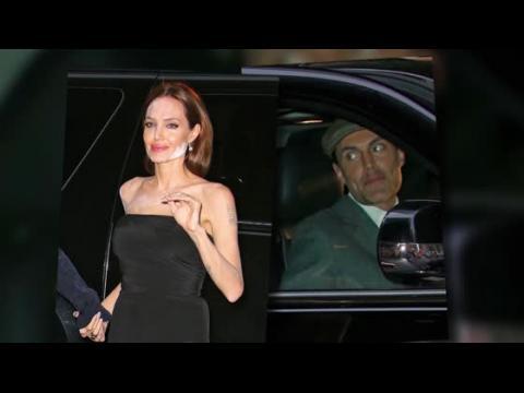 Angelina Jolie a un énorme problème de maquillage