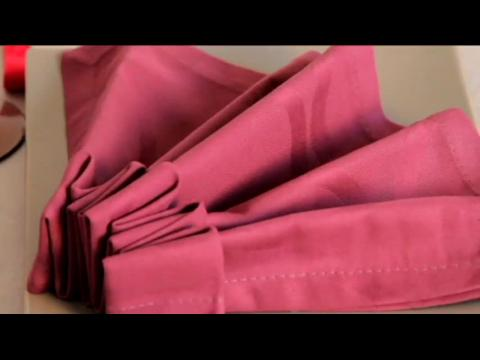Technique de pliage de serviette la robe de bal sur - Pliage de serviette robe ...