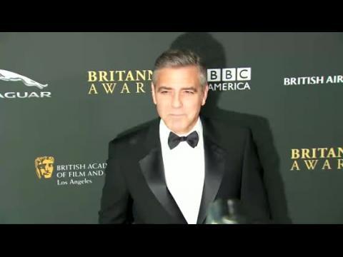 George Clooney a-t-il dessiné l'énorme bague d'Amal Alamuddin ?