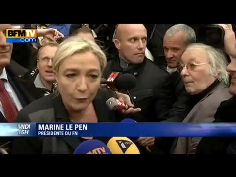 """Marine Le Pen à Calais parle de """"désespoir"""" de la population sur l'immigration clandestine"""