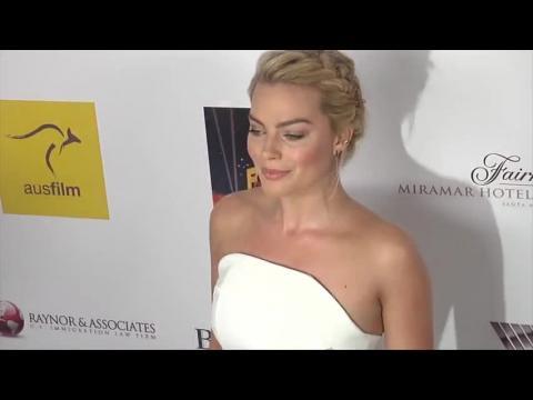 Margot Robbie illumine le tapis rouge et gagne avec Brenton Thwaites les récompenses des meilleurs acteurs australiens en devenir