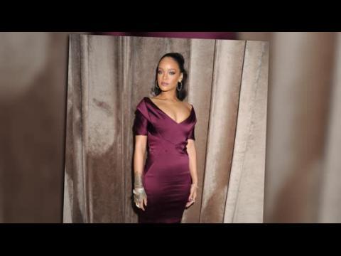 Rihanna est le mannequin parfait au défilé de Zac Posen