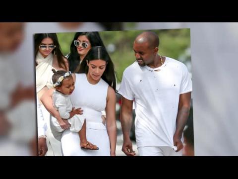 Kim Kardashian et Kanye West endimanchés pour la messe de Pâques