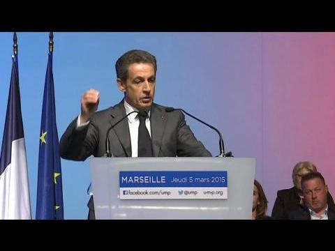 Manuel Valls et Nicolas Sarkozy s'affrontent à distance lors de meetings