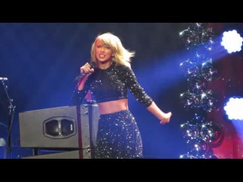 Taylor Swift fait assurer ses jambes pour 40 millions de dollars