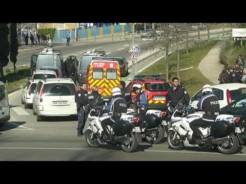 Les forces de police déployées à Marseille après des tirs à la kalachnikov
