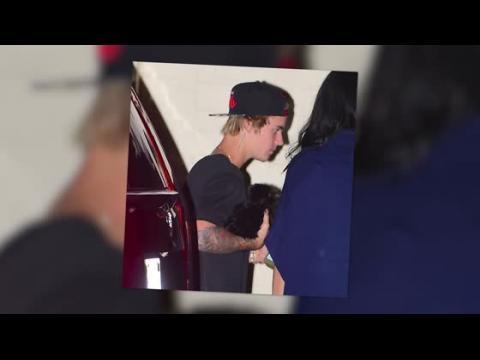 Justin Bieber emmène son nouveau chien dîner avec lui à Beverly Hills