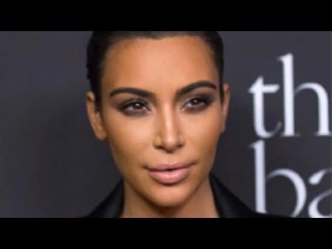 Kim Kardashian n'est plus blonde