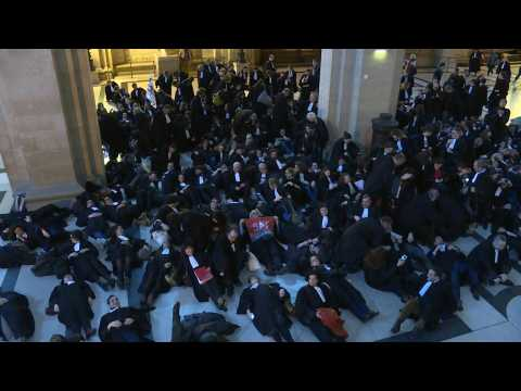 Lawyers take over Paris courthouse to protest pension reform plans