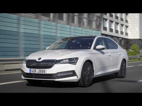 The new Skoda SUPERB Driving Video