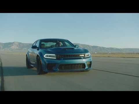 2020 Dodge Charger SRT Hellcat Widebody Driving Video