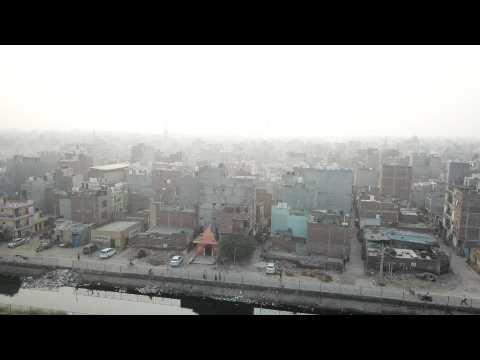 Blanket of smog covers New Delhi
