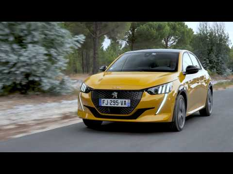 Peugeot 208 GT Line in Faro Yellow Driving Video