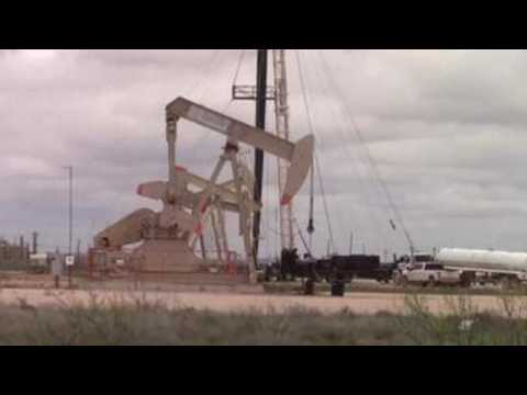 Oil prices drop dramatically due to low gas prices