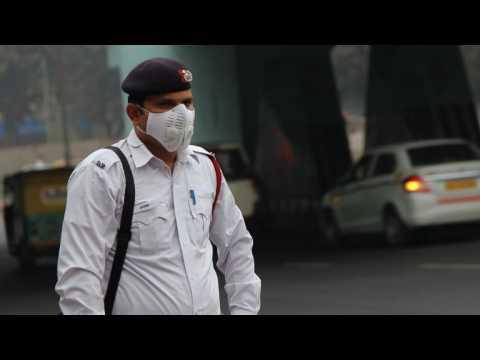 Smog-choked Delhi gears up for car ban