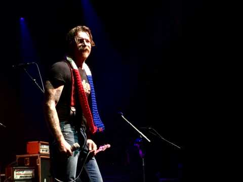 "Concert des Eagles of Death Metal : ""On vous aime tellement putain !"""