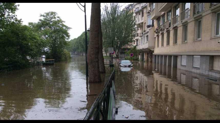 Illustration pour la vidéo Inondations : la catastrophe naturelle la plus coûteuse depuis 1982 ?